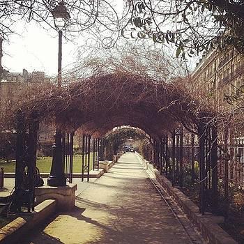 Aww Paris Is Pretty. ☀🌸🌷 #paris by Ashley Millette