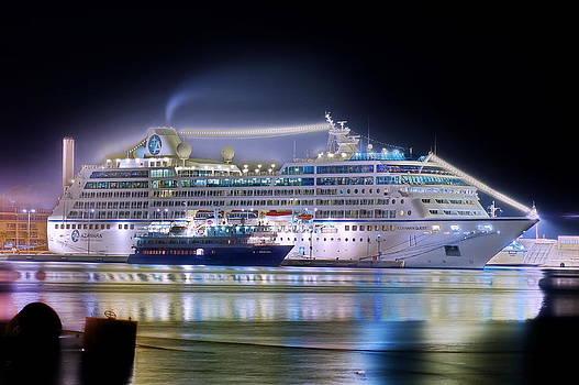 Azamara Quest by Ships in Split