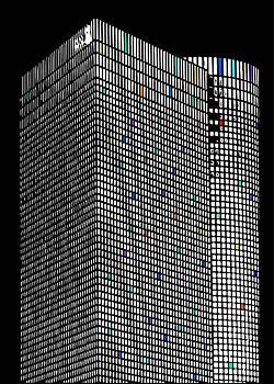 Azrieli Tower. Night. by Daniel Fainberg