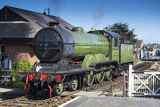 Simon Pocklington - B12 Steam Loco