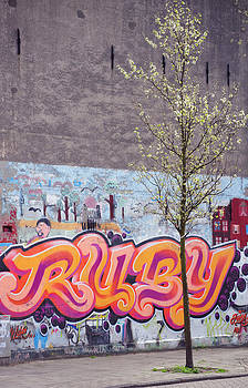 Jenny Rainbow - Background is Important for Your Appearance. Pink Spring in Amsterdam