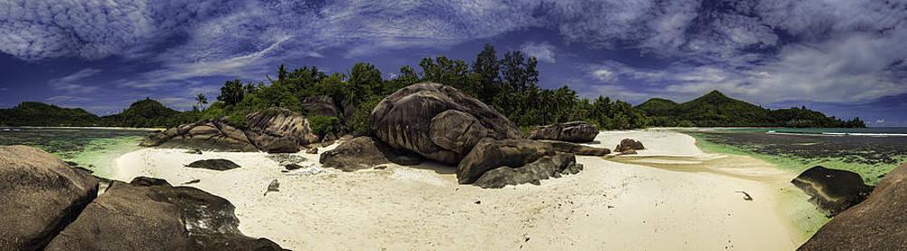 Baie Lazare Rocks by Jens Tischer