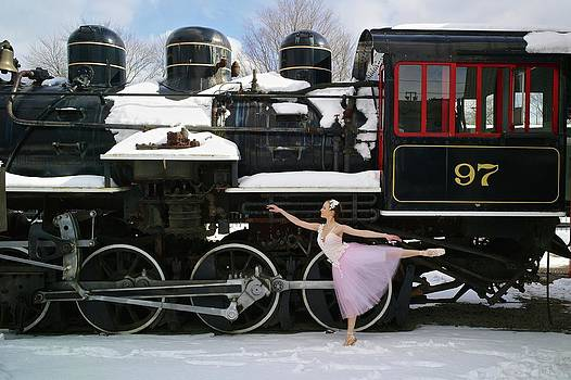 Kike Calvo - Ballerina At Essex Steam Train