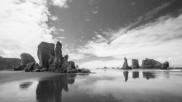 Bandon Beach by Anthony J Wright