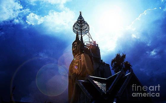 Bangkok Buddha by Scott Shaw