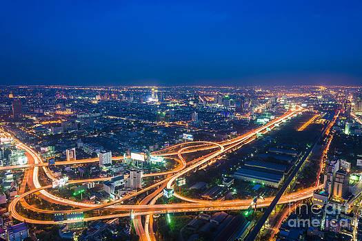 Bangkok city skyline by Vorakorn Kanokpipat