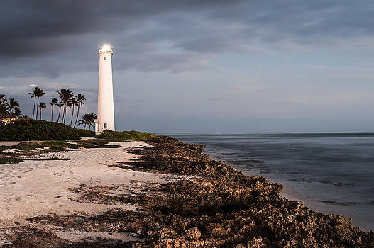 Barbers Point Lighthouse by Jason Bartimus