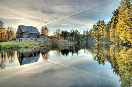 Barn on Mill Pond along Waba Creek by Rob Huntley