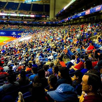 #baseball #mlb #bigleagueweekend #crowd by Kross Media