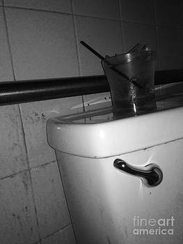 Bathroom drink stand by WaLdEmAr BoRrErO