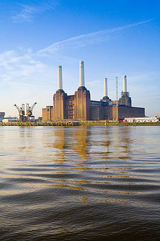 Battersea Power Station by Doug Baxter