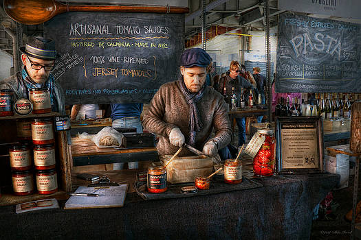 Mike Savad - Bazaar - We sell tomato sauce