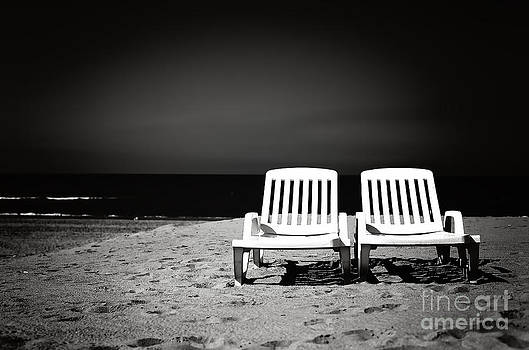 LHJB Photography - Beach chairs black and white