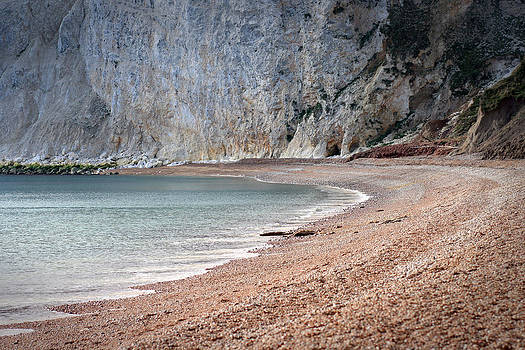 Fizzy Image - beach cove on a overcast grey day