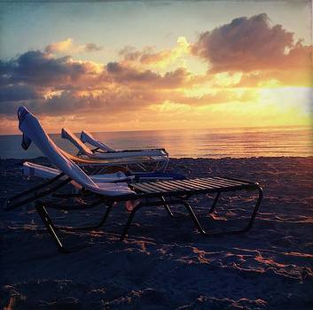 Beach Day by Stella Oliver