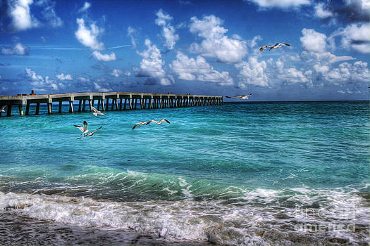 Beach by Loyda Herrera