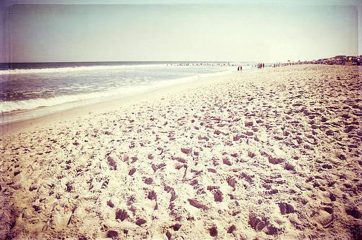 Carolyn Cochrane - Beach Memories
