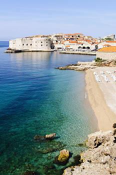 Oscar Gutierrez - Beach next to the city of Dubrovnik Croatia