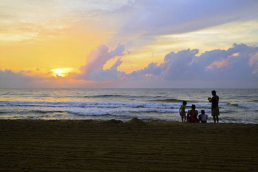 Kantilal Patel - Beach Silhouette of Family and sunrise