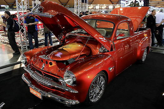 Beaut Ute by Ian  Ramsay