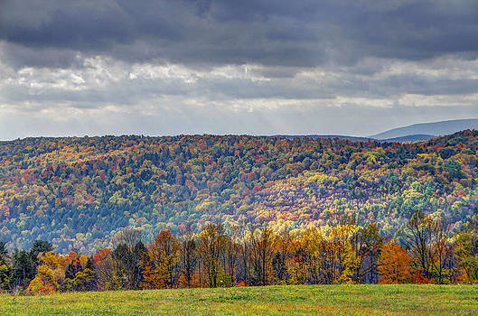 Beautiful Autumn in Pennsylvania by David Simons