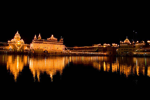 Devinder Sangha - Beautiful Golden Temple and reflection at night