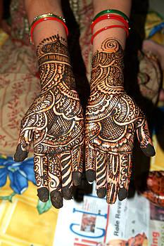 Devinder Sangha - Beautiful Henna painted hands