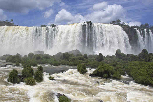 Venetia Featherstone-Witty - Beautiful Iguazu Waterfalls