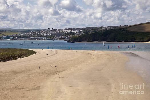 Beautiful sandy cornish beach by Anthony Morgan