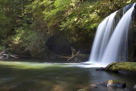 Beauty at Butte Falls by Christian Otjen