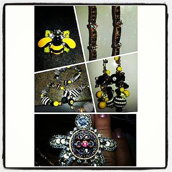 #beauxbijoux #customorder #bumblebee by Amy Marie La Faille