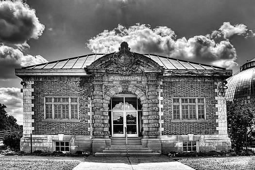 Belle Isle Aquarium - Detroit by Rod  Arroyo