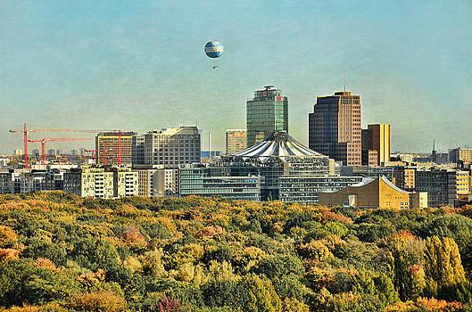 Gynt   - Berlin / Potsdamer Platz / Autumn