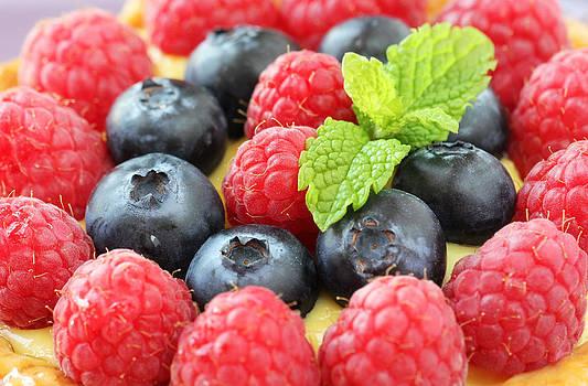 Berry tart by Jelena Vasjunina