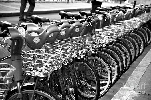 Bicycle Paris by Kamgeek Photography