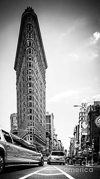 Big In The Big Apple - Bw by Hannes Cmarits