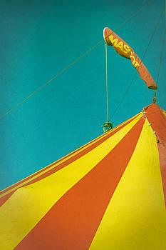 Biggish Top by Odd Jeppesen