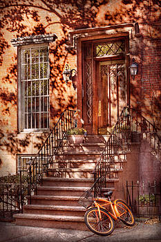 Mike Savad - Bike - NY - Greenwich Village - An orange bike