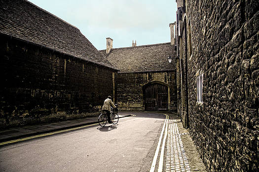 Biking in Oxford by Joanna Madloch