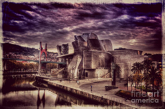The Guggenheim Museum Bilbao by Miryam  UrZa