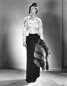 Binnie Barnes, Modeling A Cocktail by Everett