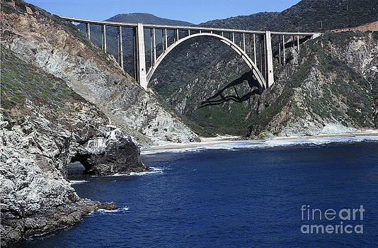 California Views Mr Pat Hathaway Archives - Bixby Creek Bridge from Bixby Landing 1974 photo by Pat Hathaway