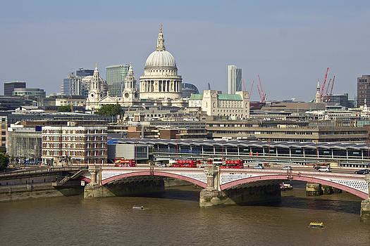 Venetia Featherstone-Witty - Blackfriars Bridge and Saint Pauls