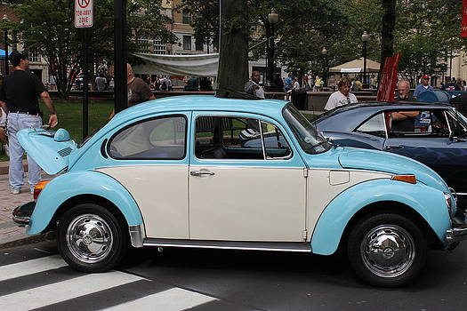 Blue And White Volkswagen Beetle by Norberto Medina Jr