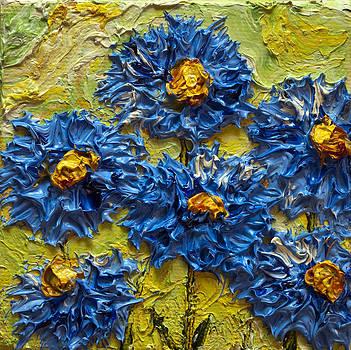 Blue Flower Cluster II by Paris Wyatt Llanso