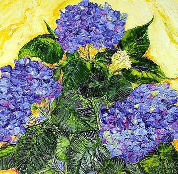 Blue Hydrangea II by Paris Wyatt Llanso