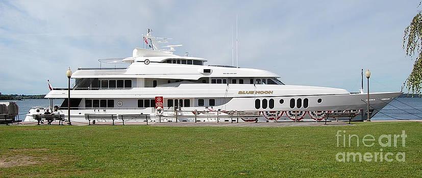Linda Rae Cuthbertson - Blue Moon Yacht Clayton NY