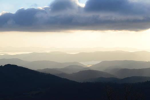Blue Ridge Morning Mist by Teresa Tilley