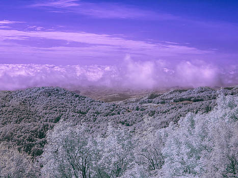 Blue Ridge Mountains by Ernest Puglisi