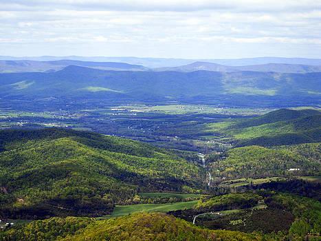 Leslie Cruz - Blue Ridge Valley